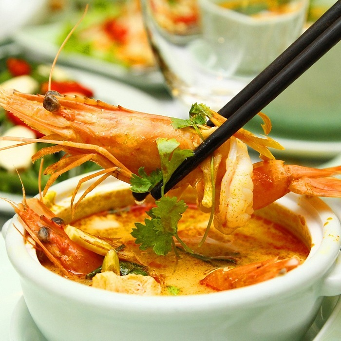 Súp tom yum