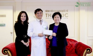 "Thu Cuc Hospital donated 50 million VND to ""Bau oi"" fund"