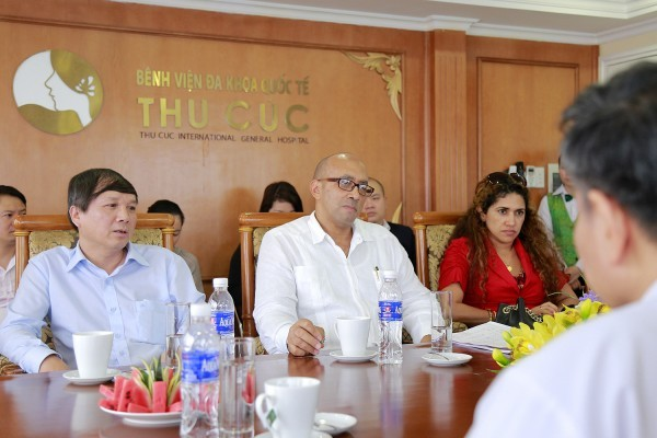 Thu Cuc Hospital welcomes the Cuban Ambassador to Vietnam