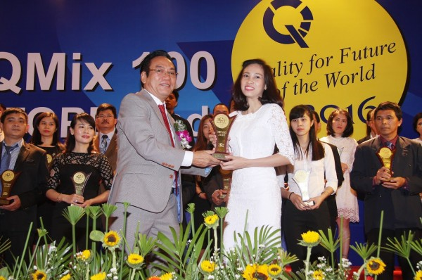 "Thu Cuc Hospital was awarded ""TOP Brands 2016"""